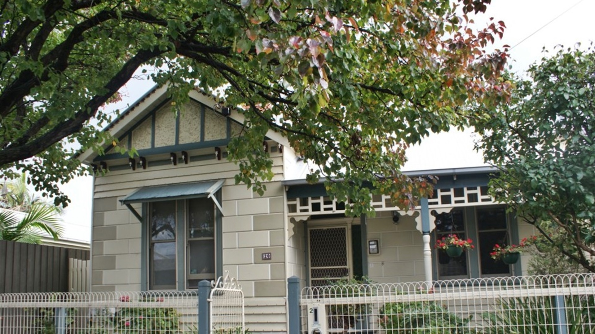 House Painter Newport